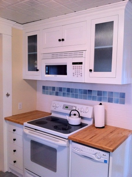 Kitchen Tile & Custom Cabinetry